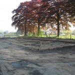 Oude stal is weg, nu nog een praktijkgebouw zetten.